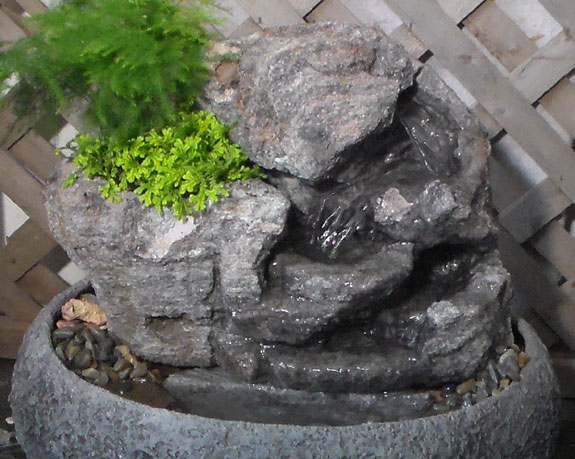 Medium Indoor Fountain w/Live Plants #32
