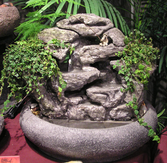 Large indoor fountain wlive plants 42 natural creations largelive23large workwithnaturefo