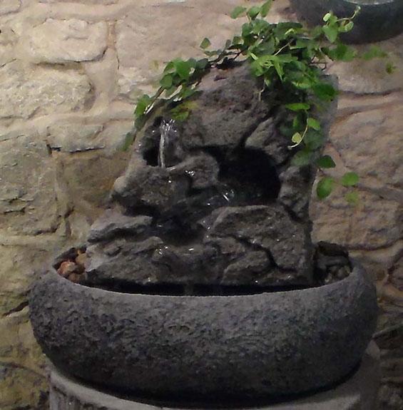 Medium Fountain w/ Live Plants RTG #21