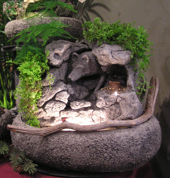 Wolf Spirit Fountain W Live Plants Cd 289 Natural Creations