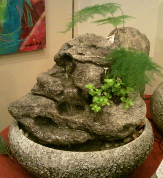 Small Tabletop Fountain w/Live Plants #38